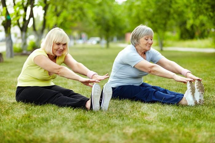 Resultado de imagen para abuelos haciendo ejercicios